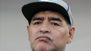 Un decepcionado Maradona dejó su equipo tras fallar el ascenso directo
