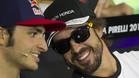 Fernando Alonso, con gorra y gafas de sol