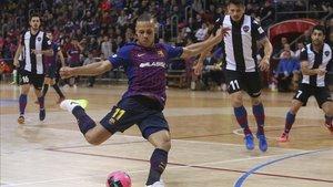 Ferrao marcó el 4-2 final en el choque liguero ante el Levante en el Palau