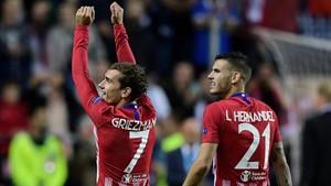 Griezmann y Lucas celebrando la Supercopa de Europa