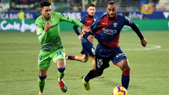 El Huesca consigue su primera victoria en El Alcoraz