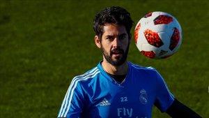 Isco en una sesión de entrenamiento con el Real Madrid
