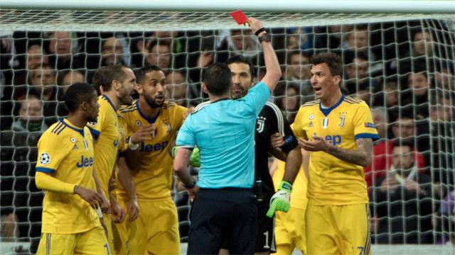 LACHAMPIONS | Real Madrid - Juventus (1-3): Las protestas de los jugadores de la Juventus