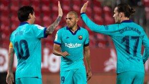 Los jugadores del Barça celebran el gol de Braithwaite
