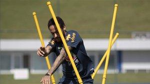 Neymar Junior durante un entrenamiento de la selección de Brasil