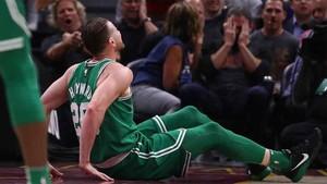 La reacción de los espectadores muestra la gravedad de la lesión de Hayward