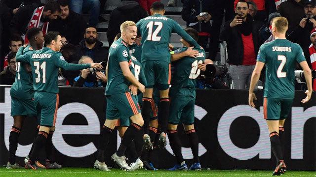 El Ajax acaricia los octavos y desahucia al Lille