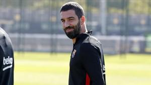 Arda sigue pendiente de concretar su futuro lejos del Barça