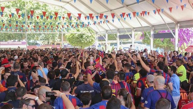 Así estaba el ambiente en la Fan Zone del FC Barcelona