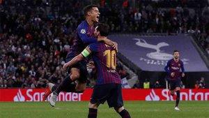 Coutinho y Messi, celebrando el gol