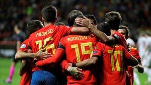 España celebra uno de los goles