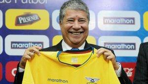 Hernán Bolillo Gómez no es más técnico de la selección de Ecuador
