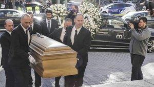 La llegada del féretro al funeral