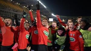 Los jugadores de Les Herbiers celebran su pase a semifinales de la Copa Francia