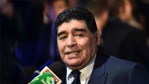 Maradona se ofrece a Argentina