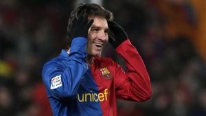 Messi, después de marcar el 1-0 ante el Depor en 2009 que abría el camino hacia el punto 50 en la primera vuelta de la Liga