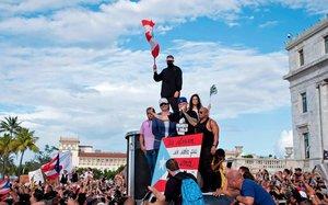 La razón política que lleva a Bad Bunny a parar su gira en Puerto Rico