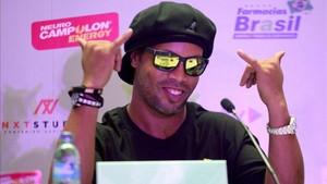 Ronaldinho durante una conferencia