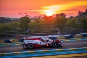 El Toyota de Buemi, Hartley y Nakajima brilla en Le Mans
