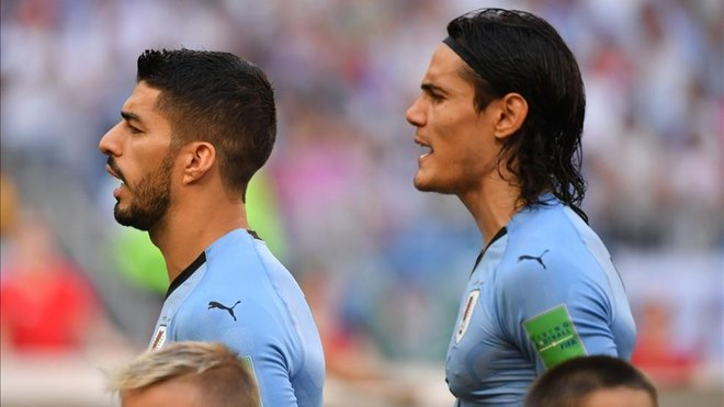 ¿Cuánto mide Edinson Cavani? - Altura - Real height 1542646183567