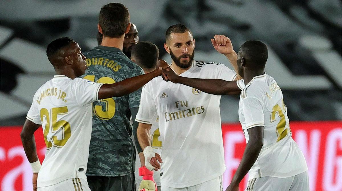 Asensio y Benzema revitalizan a un Madrid que suma de tres ante un Valencia peleón
