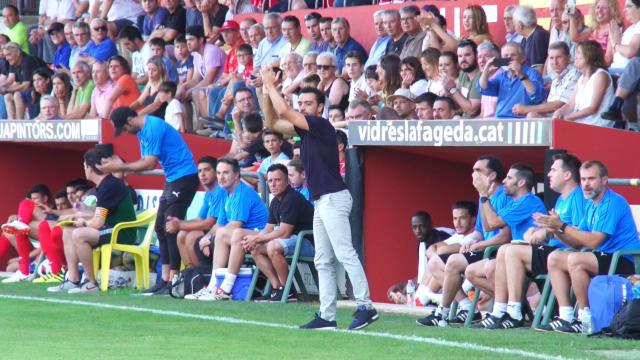 Así vive Xavi un partido de fútbol como entrenador
