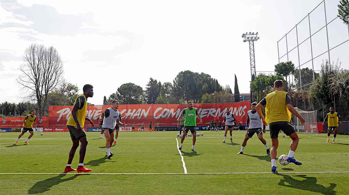 El Atlético vuelve a entrenar en grupo sin Giménez, Vrsaljko ni Arias