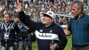 Diego Maradona genera mucha expectativa en su nueva etapa como DT de Gimnasia