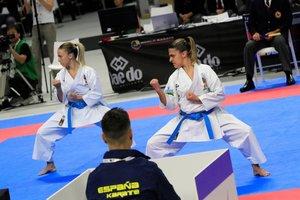 El equipo femenino español compite en la modalidad de kata por equipos del mundial de kárate, esta mañana en el Wizink Center de Madrid