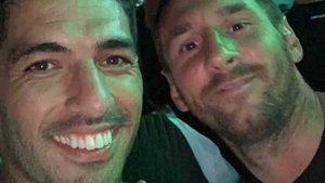 Luis Suárez y Messi están en Ibiza