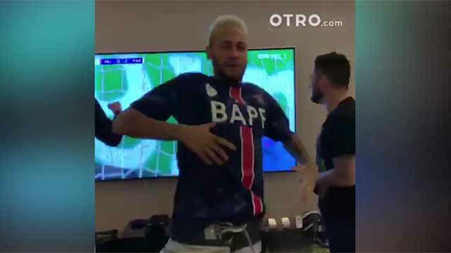 Menos mal que está lesionado: Neymar se volvió loco celebrando la victoria del PSG