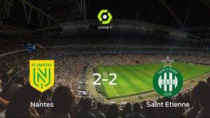 El FC Nantes y el AS Saint Etienne empatan en el Stade de la Beaujoire - Louis Fonteneau (2-2)