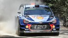 Neuville, a los mandos de su Hyundai i20 WRC