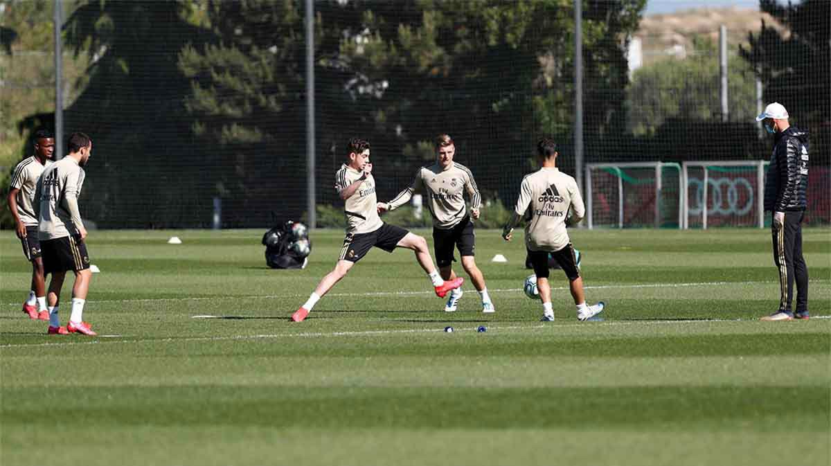 El Real Madrid sigue entrenando esperando el regreso de la competición
