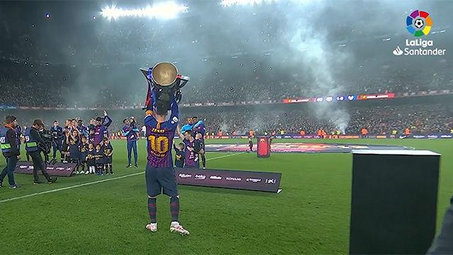 Así levantó su décima liga Leo Messi con el Camp Nou entregado