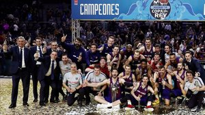 El Barça Lassa celebró el título en el feudo del Madrid