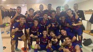 El Barcelona B celebró el triunfo en el vestuario