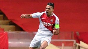 Falcao celebra un gol con la camiseta del Mónaco