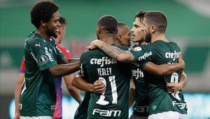 Jugadores del Palmeiras celebrando un gol