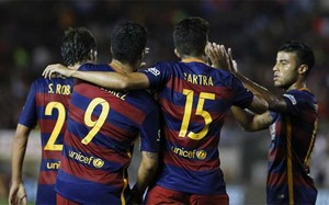 Los jugadores del FC Barcelona celebran el primer gol contra el LA Galaxy, obra de Luis Suárez