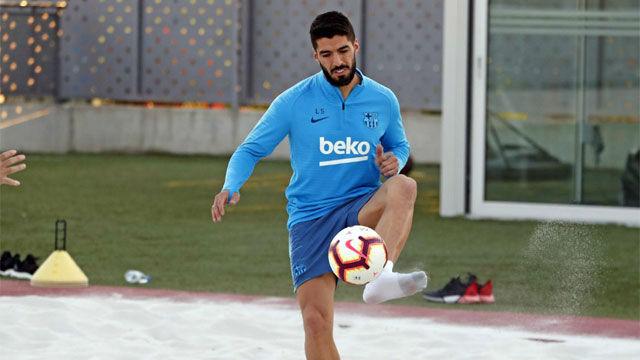 Luis Suárez realizó trabajo específico en el primer entrenamiento de la semana