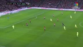 Messi tuvo la ocasión más clara, pero se encontró con el travesaño