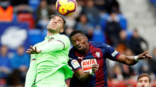 Ocho goles... y reparto de puntos entre Eibar y Levante