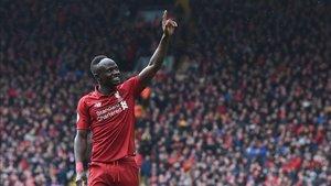 El senegalés Mané se dirige a la afición del Liverpool