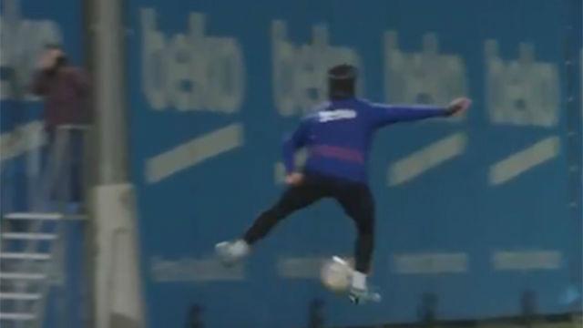 Suárez ya avisó en los antrenamientos: voló y marcó de tacón