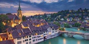 Suiza avisa: no ingresará a ancianos en UCI en caso de saturación por coronavirus