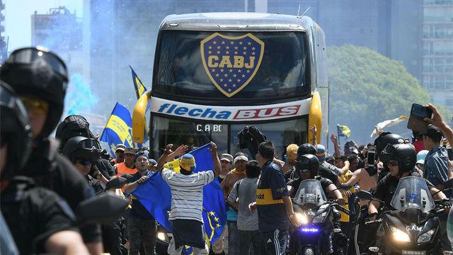 Así fue el ataque al autobús del Boca