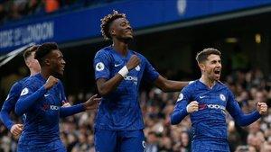 El Chelsea puso tierra de por medio antes del descanso