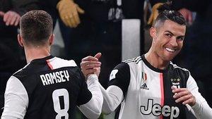 Cristiano marcó los dos goles de la Juventus contra el Parma