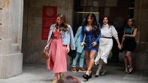 Las ex y actuales WAGs culés acuden al Bridal Fashion Week Barcelona | Tenemos Noticias